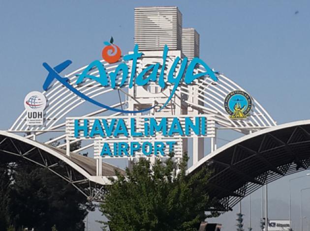 Antalya Havalimanı'nı alarma geçiren olay