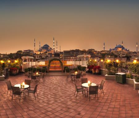 Armada Otel'de Şaraplı Çarşamba Akşamları