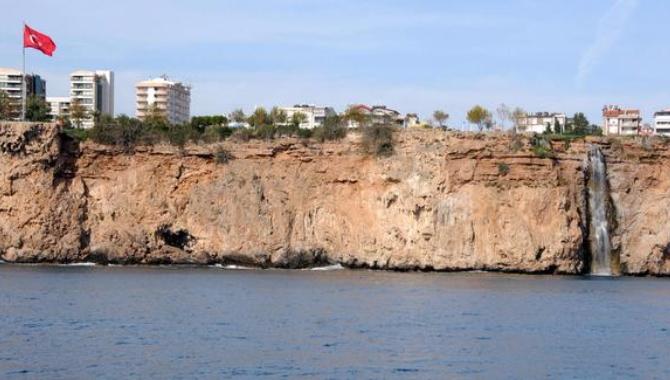 Otellere 'Falezleri parçalıyorlar' suçlaması