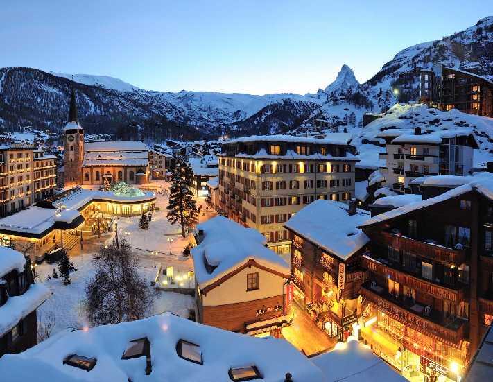 Ünlü kayak merkezinde 13 bin turist mahsur