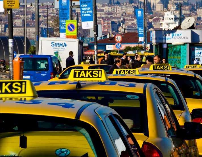 Biri bu taksicilere dur desin artık
