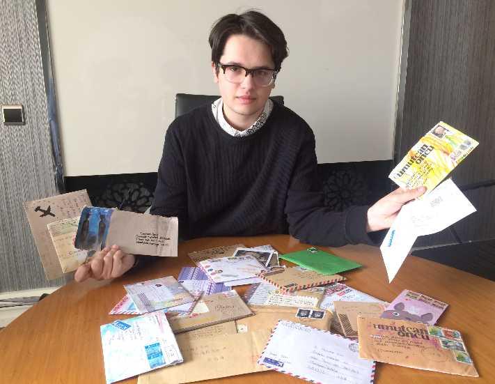 Mektupla arkadaşlarına Antalya'yı tanıtıyor