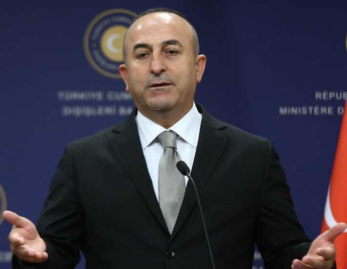 Bakan Çavuşoğlu'ndan otelciler ve tur şirketlerine eleştiri