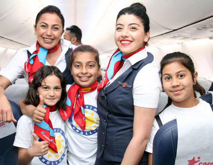 Corendon Airlines çocukları pilot yaptı