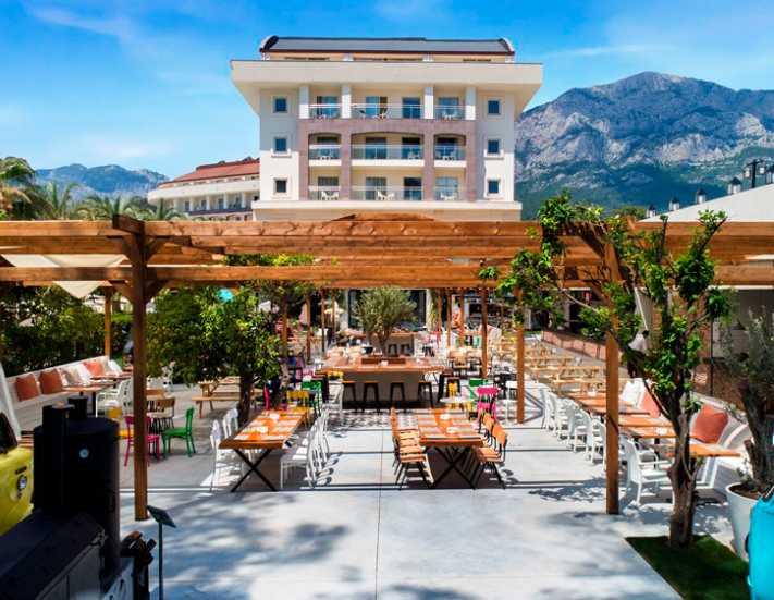 Hilton'un ilk resort oteli Antalya'da açıldı