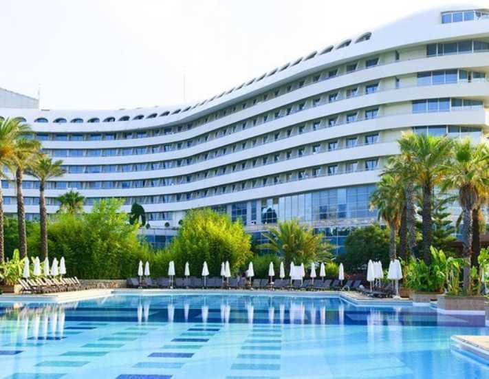 Concorde De Luxe Resort sezona çifte ödülle başladı