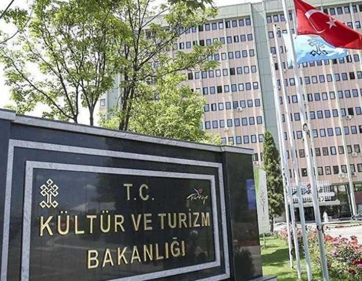 Kültür ve Turizm Bakanlığı bölünsün mü, bölünmesin mi?