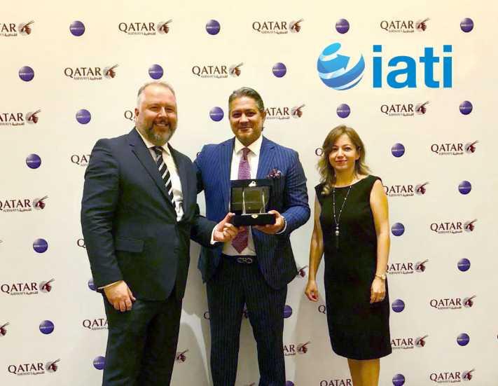 """Qatar Havayolları'ndan IATI'ye """"En Başarılı Online Acente"""" Ödülü"""
