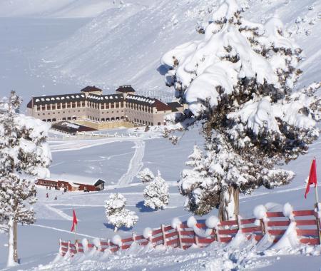 Kayak merkezleri tatil için çağırıyor