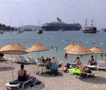 Kruvaziyer turizmi Bodrum'u hareketlendirdi