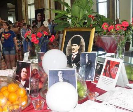 Manavgat'ta turistler 19 Mayıs'ı kutladı