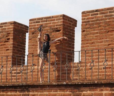 Rus balerinden Alanya tanıtımı
