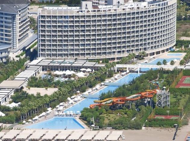 Ünlü otelciye 'Dolandırıcılık' suçlaması