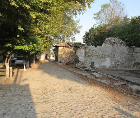 Antik kentin aşka adanan kenti: Stratonikeia