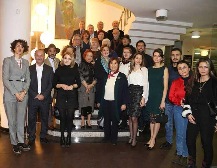 Ankaralı sanatçılardan eğitime destek sergisi