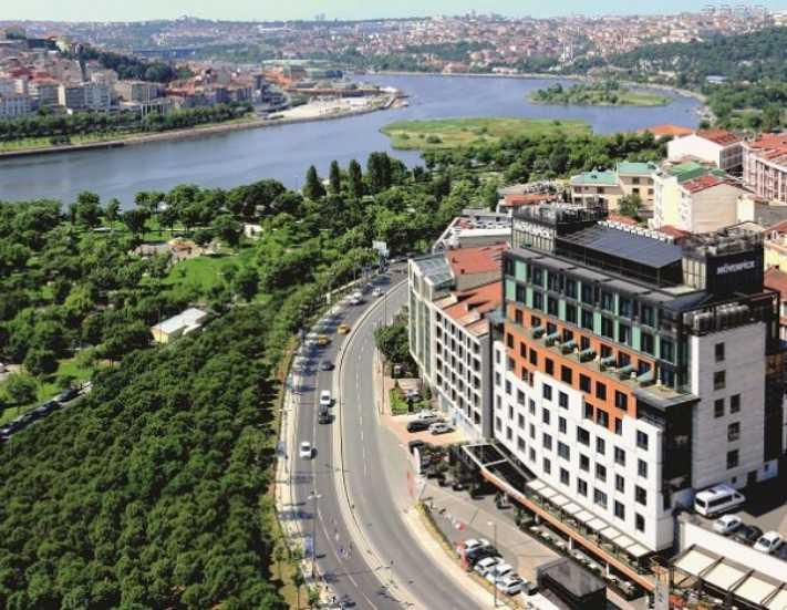 Mövenpick Hotel Istanbul Golden Horn'dan 3'üncü yaşa görkemli parti