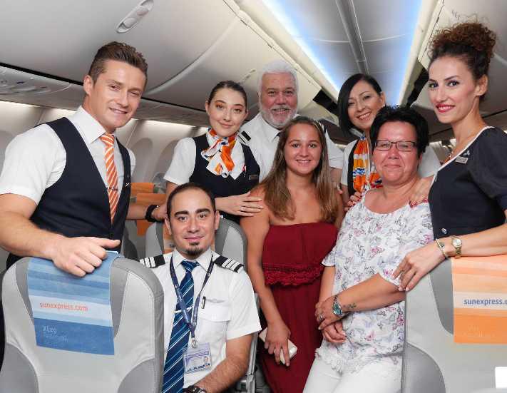 SunExpress uçağında doğan bebek 18 yaşına girdi