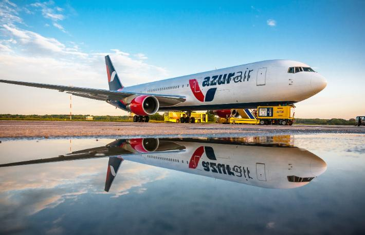 AzurAir üç havalimanında rekor kırdı