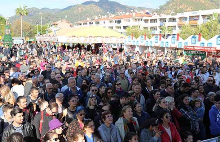 Marmaris'te bir aylık yeni yıl festivali başladı