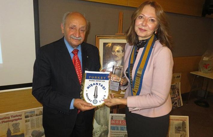 Halil Tuncer'e 'Meslekte Üstün Hizmet Ödülü'