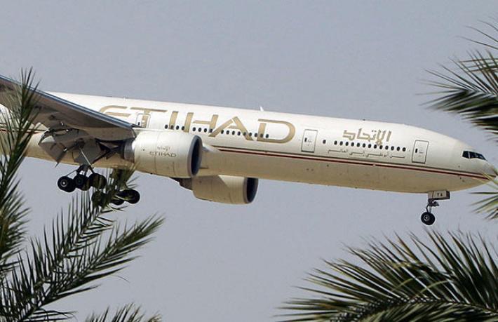 Etihad uçağı havada yandı