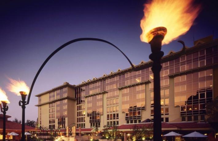 Ferit Şahenk otellerini Araplara satıyor