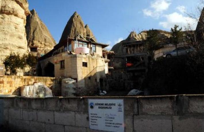Bakanlık tepki çeken otel inşaatını durdurdu
