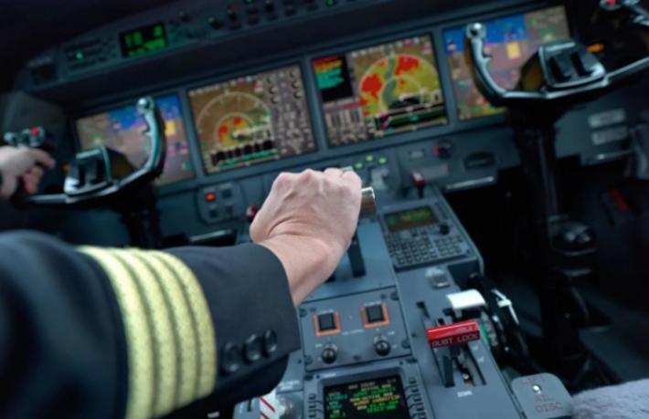 Maaşı düşen yabancı pilot Türkiye'den gidiyor