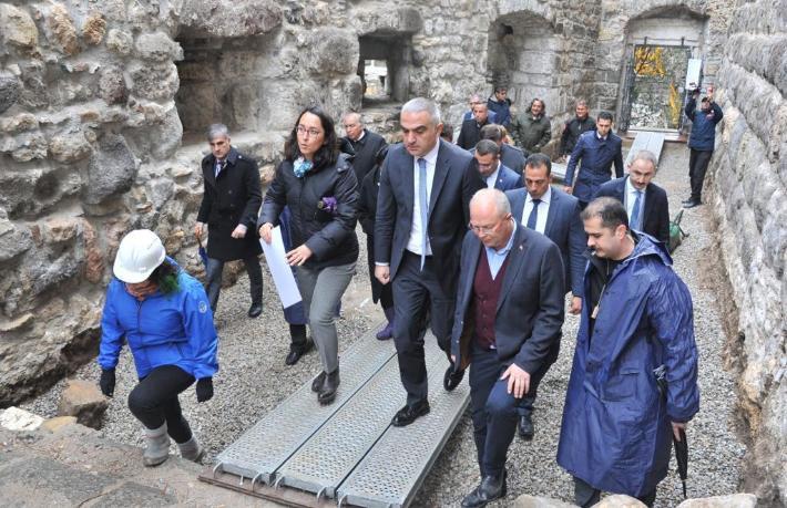 Bakan Ersoy: Durdurup mühürledik