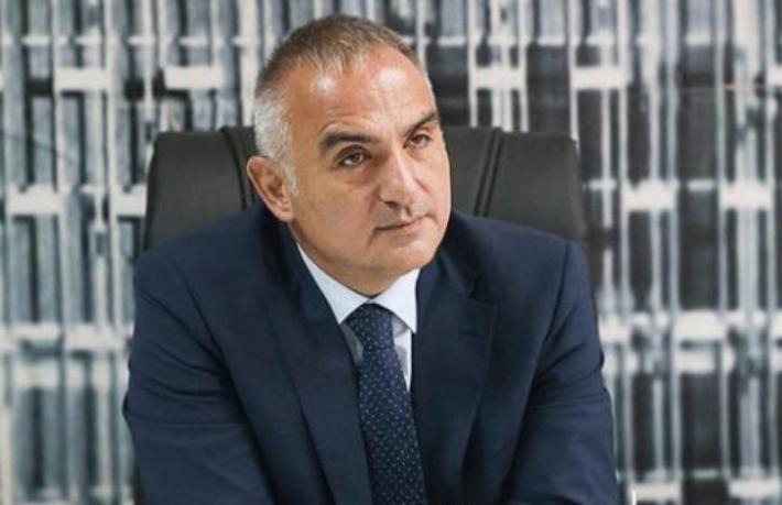 Bakan Ersoy'dan sezon öncesi turizmcilerle kritik toplantı