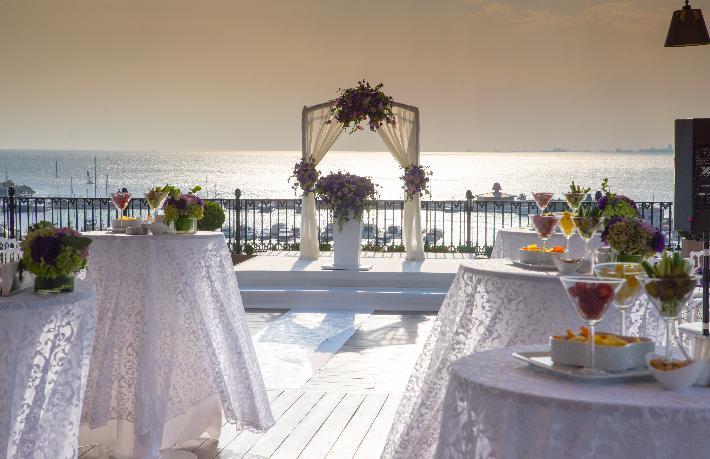 Wyndham Grand Kalamış'ta masal gibi düğün