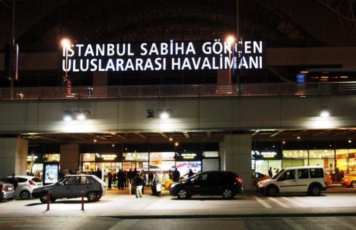 Sabiha Gökçen'deki taksicilere kravat zorunluluğu