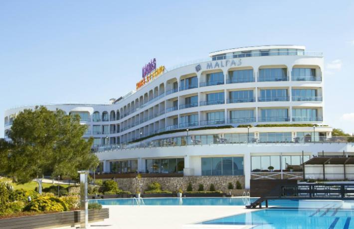 Malpas Hotel çalışanlarından iş bırakma eylemi