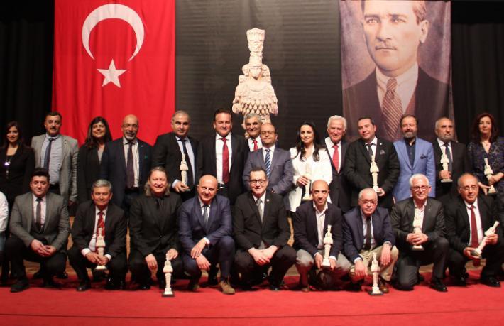 İzmirli turizmcilerin ödül gecesi