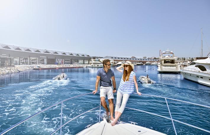 100 bin turist gemiyle alışverişe gidecek