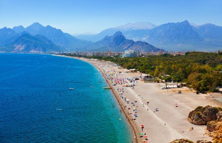 Suriyelilere plaj yasağı Başkan'dan veto yedi