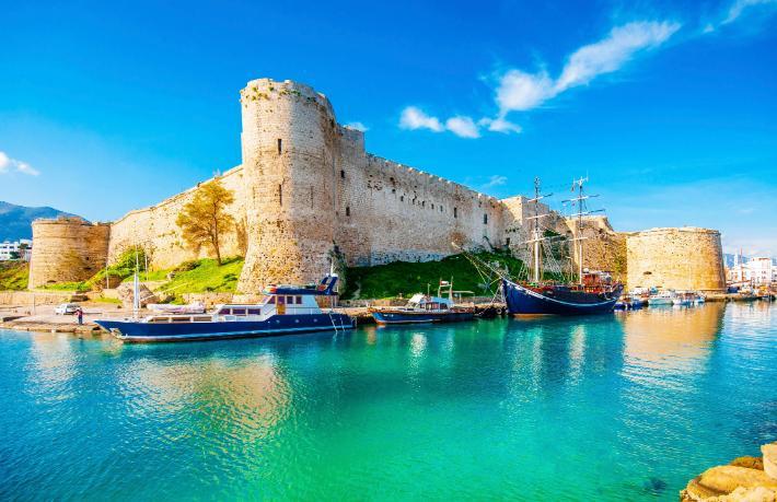Kıbrıs otellerinde alarm zilleri çalıyor