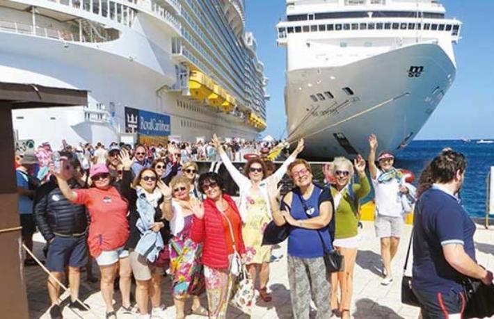 Tura Turizm'in Küba yolcuları ülkeye giremedi