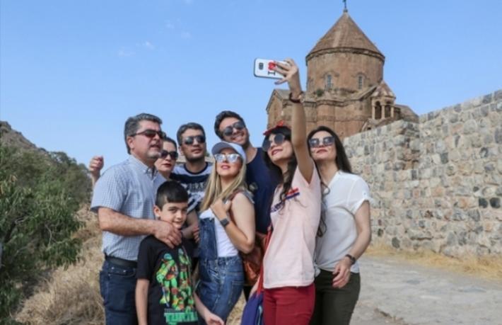Turizmcilerden kaçak otel isyanı