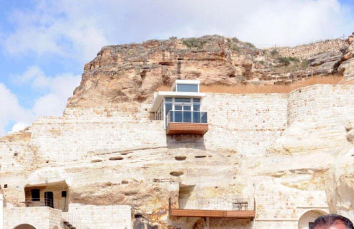 Kapadokya'daki tartışmalı balkon gitti
