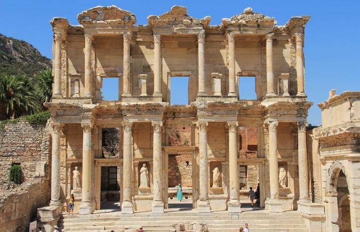 Dünyanın en pahalı tuvaleti Efes'te