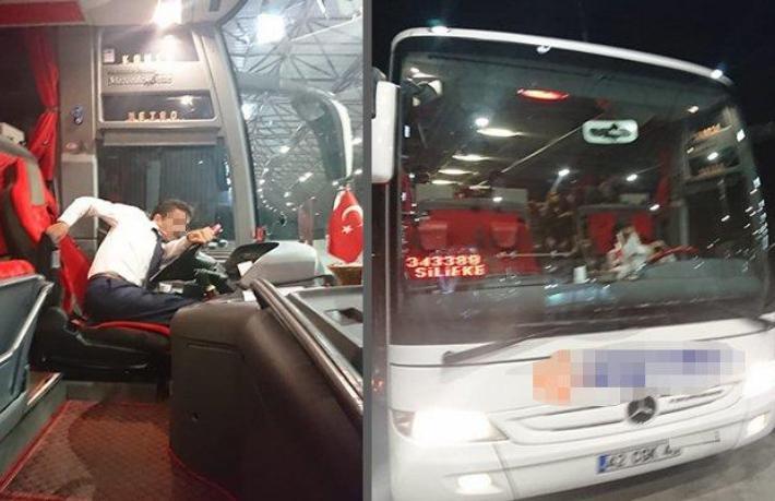 Turisti mülteci zannedip otobüsten attılar