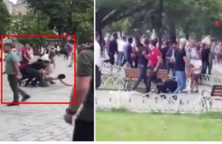 Sultanahmet'te turistlerin önünde büyük kavga