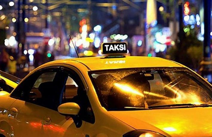 Turisti darp eden taksiciye çifte ceza