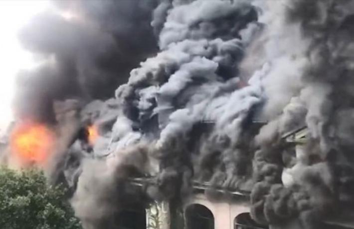 100 yıllık otelde büyük yangın