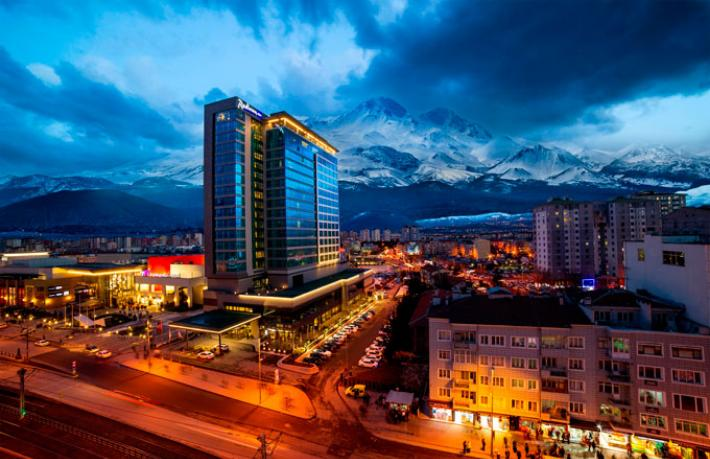 Radisson Blu Hotel Kayseri 'Dünyanın en iyi 3'üncü oteli' oldu