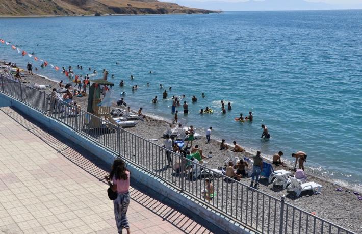 Türkiye'nin denize kıyısı olmayan ilk mavi bayraklı plajı