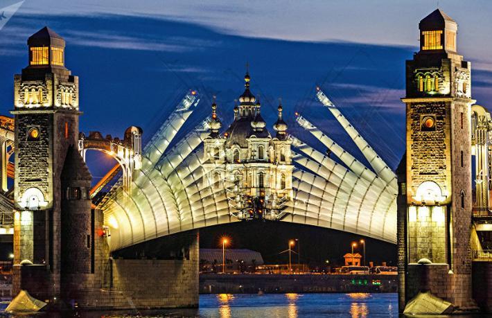 Dünya turizminin kalbi St. Petersburg'da atıyor