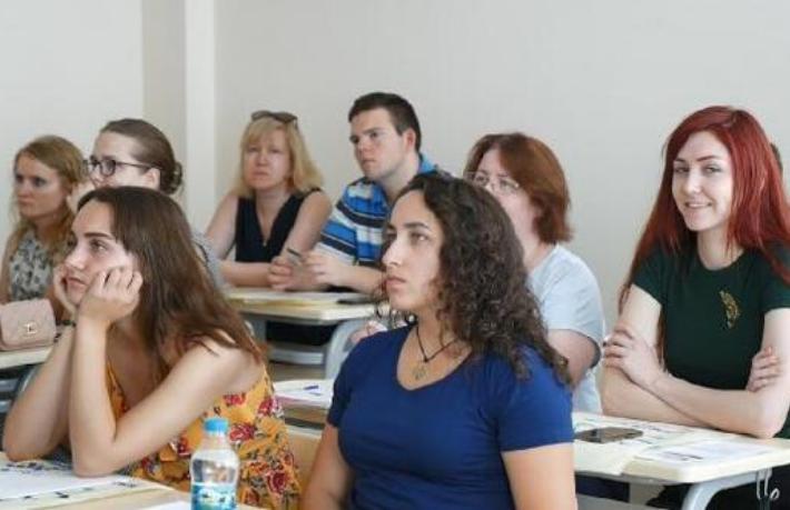 Rus akademisyenler Antalya'da turizm öğreniyor