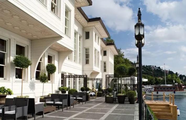 Les Ottomans Hotel'e Türk iş adamı talip